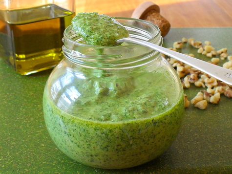 Cheddar-Walnut Pesto