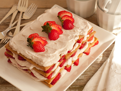 Fresh Strawberry Icebox Cake