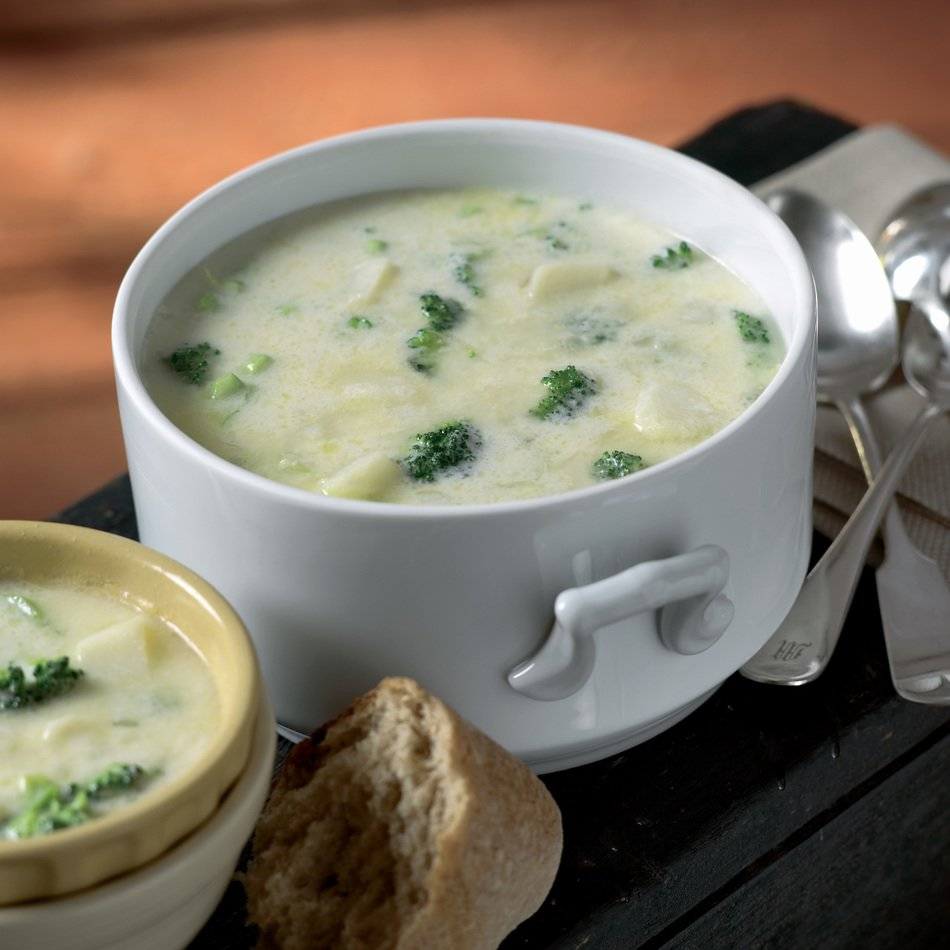 Slow Cooker Broccoli-Cheddar Soup